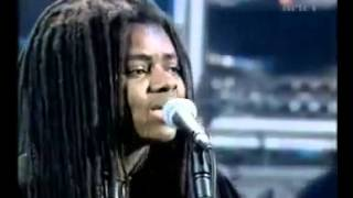 Tracy Chapman - Baby Can I Hold You (1998)