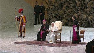 El Papa explica la presentación del pan y el vino en la Misa
