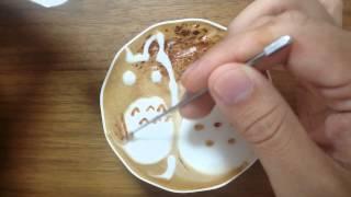 本日の暇カプチーノ、『トトロと雪だるま』。 ラテアート Latteart Totoro