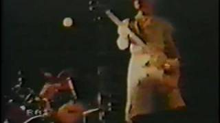 DEVO - Be Stiff - live 1980