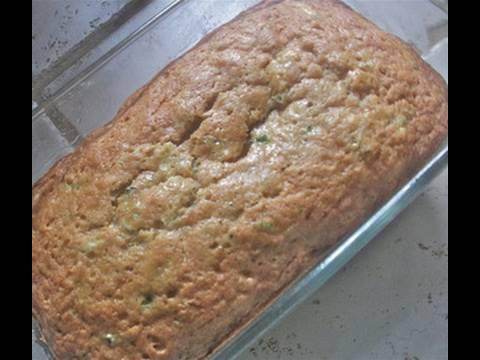 Video Moist Zucchini Bread Recipe