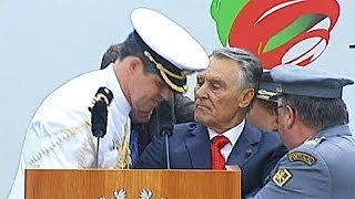 Portuguese president collapses during speech to military