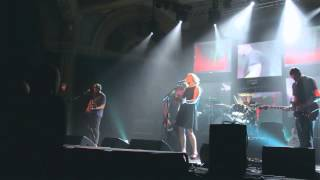 "Slowdive ""40 Days"" live in Portland"