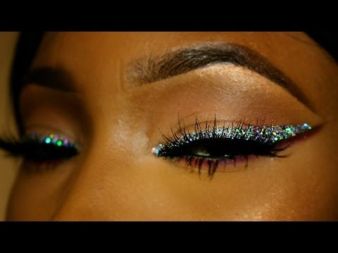 STAND OUT GLITTER WINGED EYELINER