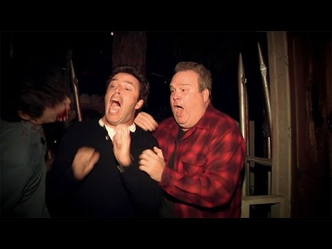 Eric stonestreet visits haunted house with ellen s for Eric stonestreet house