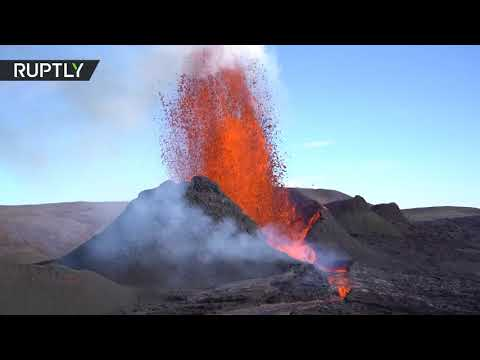 Stunning lava show | Iceland's Fagradalsfjall volcano continues eruption