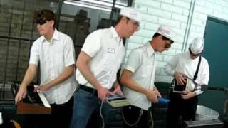 The Coitus useing an Atari Synthcart live at the Landromat 2/7/10