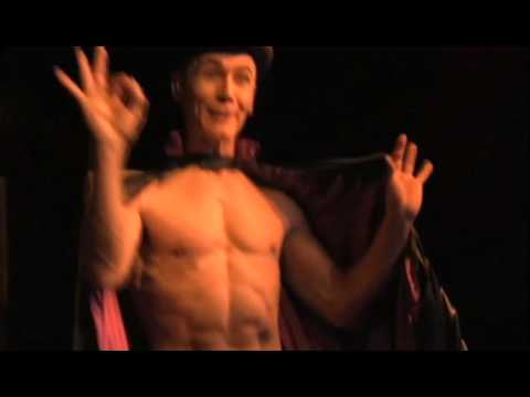 Ben Devie dans le spectacle Kiki de Montparnasse