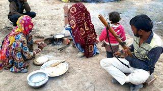 RAJASTHANI WOMEN COOKING FOOD💕Village life of India💕Rural Life of Rajasthan💕Indian Villager life