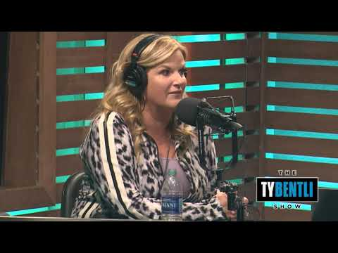 "Trisha Yearwood Discusses the Inspiration & Story Behind ""Every Girl In This Town"""