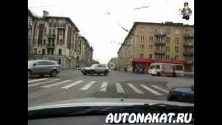 Движение по трамвайным путям на Наличной улице.