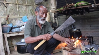 preview picture of video 'Fire Roasted Pig Intestines in Nagaland, India (the Traditional Way)'