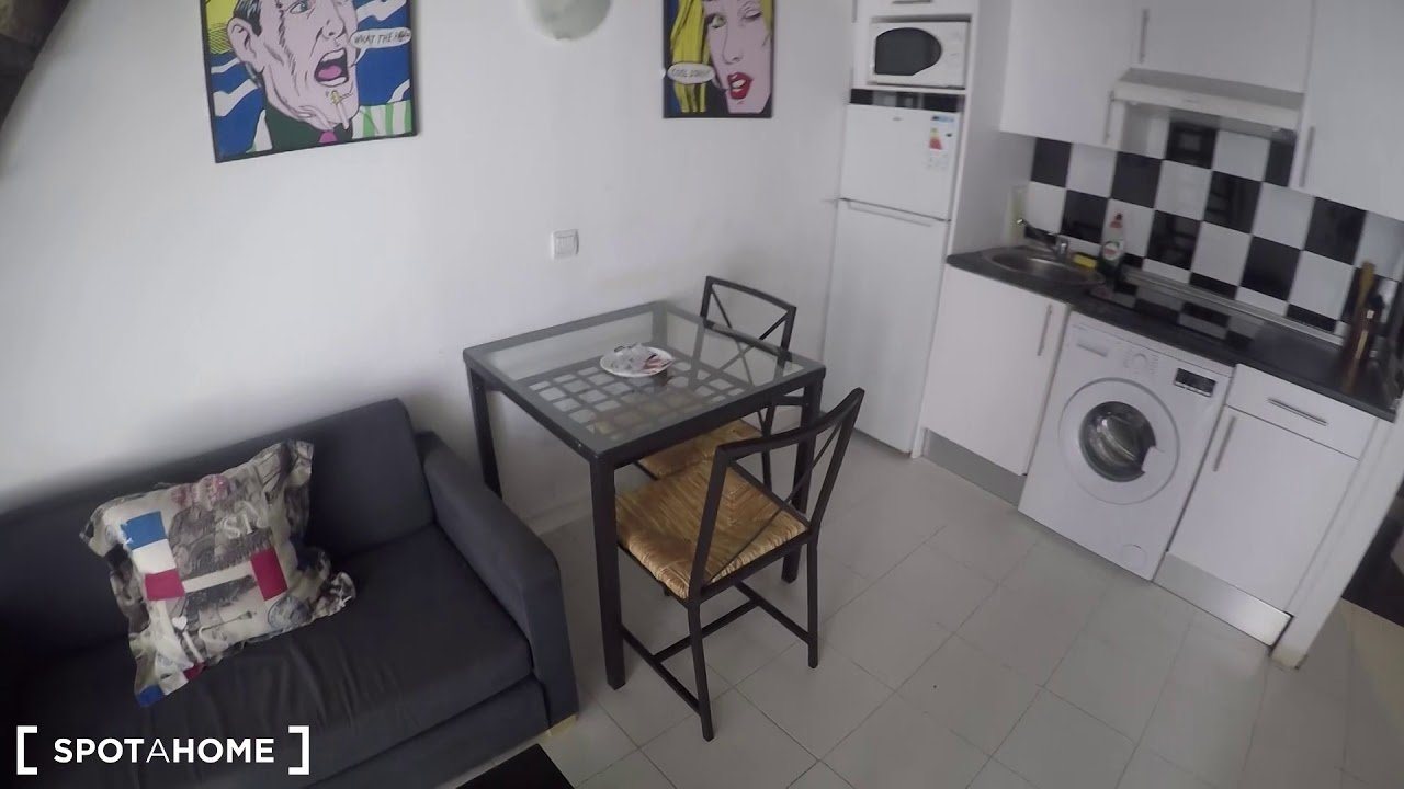 Sunny studio apartment with loft bedroom for rent in Tetuán, near Metro