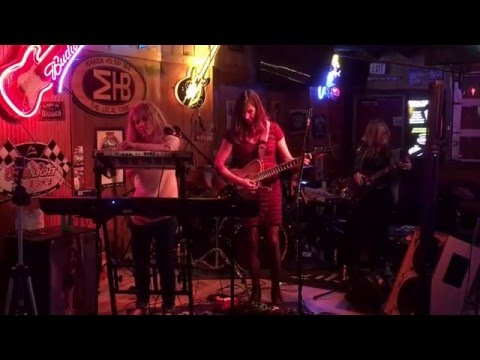 Skadi covering Free by Phish. Performance at the Morrison Holiday Bar.
