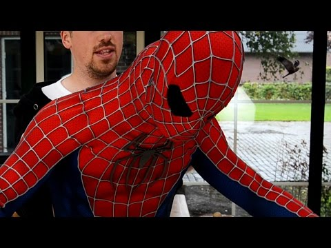 Video How-To-Wear Spider-Man Suit - Getting Inside the Costume