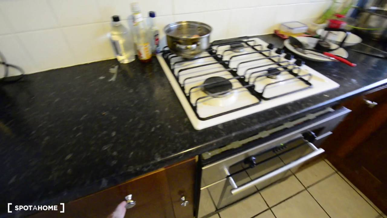 Rooms to rent in stylish 6-bedroom houseshare with storage space - Lewisham