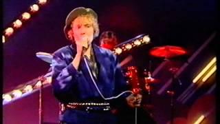 JONI MITCHELL-GOOD FRIENDS-WOGAN-BBC 1-DEC. 6. 1985.
