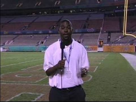 How to be a Local Sports Reporter : How to Be a Good Sports News Anchor