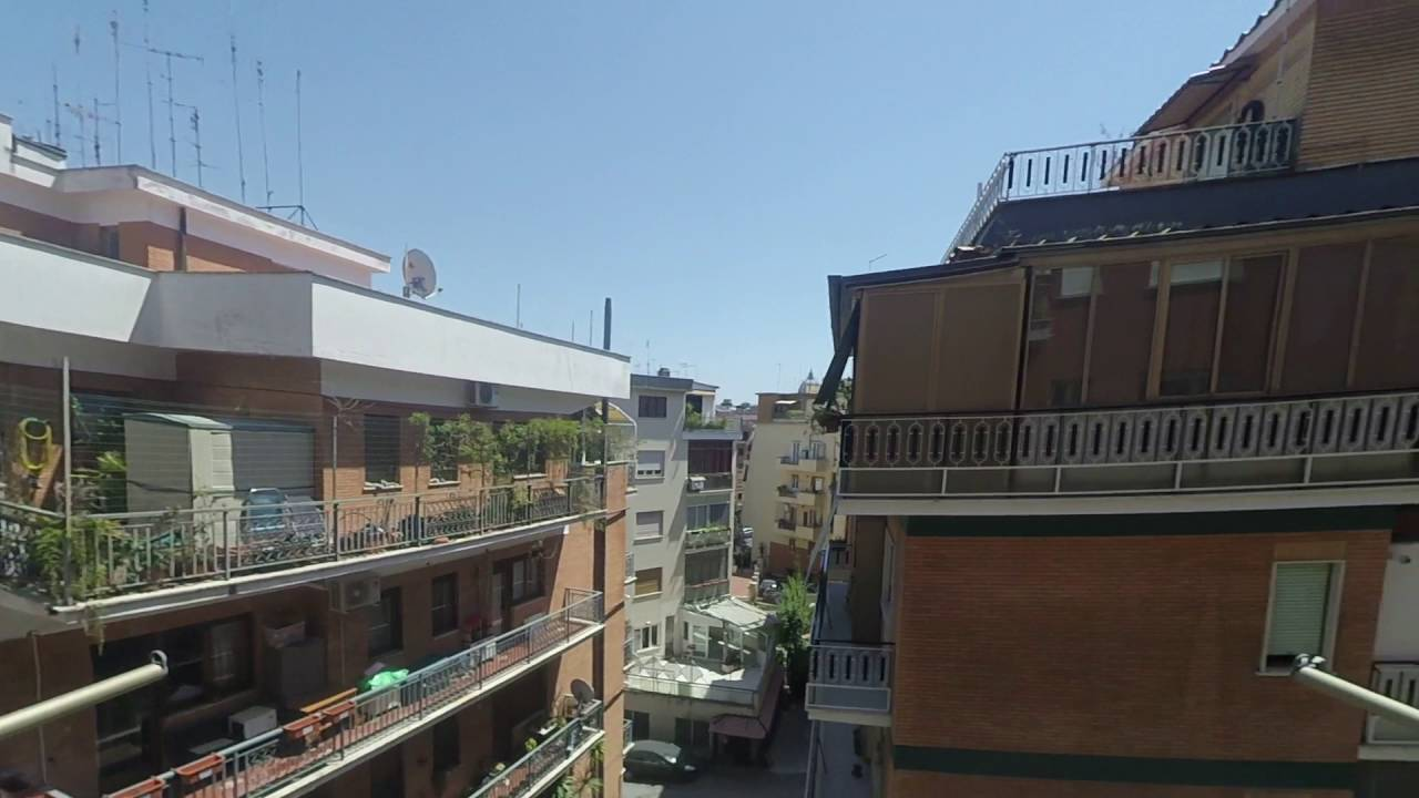 Rooms for rent in apartment with balcony and parking in Prati area