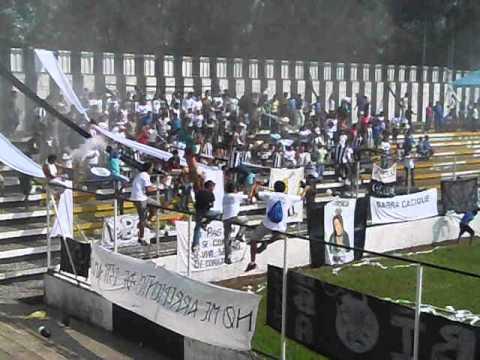 """""""Barra Cacique alentando - Mayo 2013"""" Barra: Barra Cacique • Club: Diriangén Fútbol Club"""