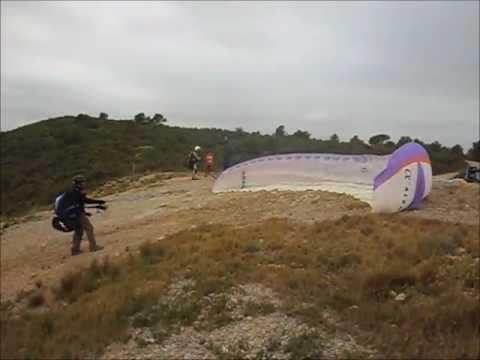 Vuelo y aterrizaje en parapente camachoflyer Villar del Arzobispo