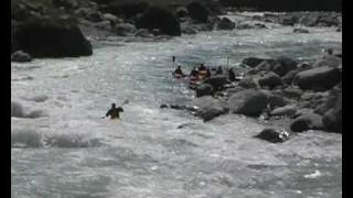 preview picture of video 'Voyagers Nepal 2007 (Part 1)'