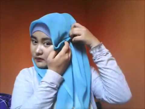 Video Cara Memakai jilbab segi empat untuk wajah bulat