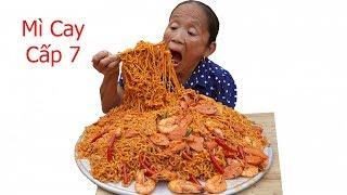Bà Tân VLog - Làm Mâm Mì Trộn Siêu Cay Cấp Độ 7 Khổng Lồ   Eating korea spicy level7 noodle
