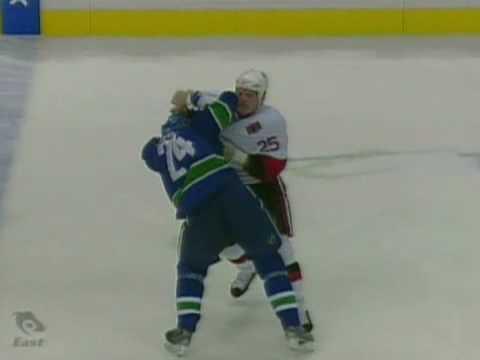 Darcy Hordichuk vs. Chris Neil
