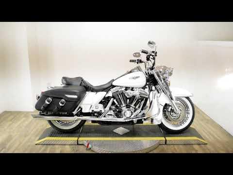 2004 Harley-Davidson FLHRCI Road King® Classic in Wauconda, Illinois - Video 1