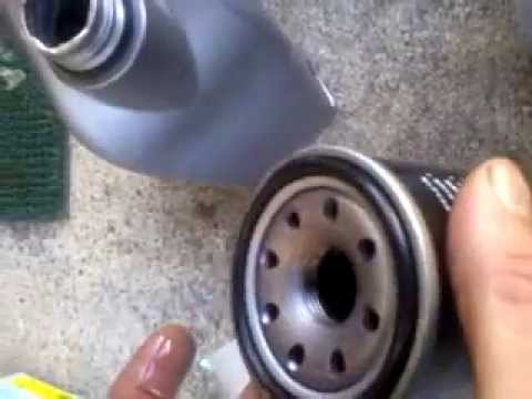 Der Zusatz des Brennstoffes das Benzin castrol