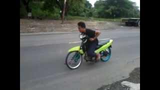 preview picture of video 'Drag Bike Gresik Vega Bebas ~ P-tech Racing P45'