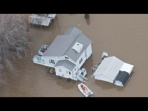 العرب اليوم - شاهد: شوارع أوتاوا تتحوَّل إلى أنهار بسبب الفيضانات
