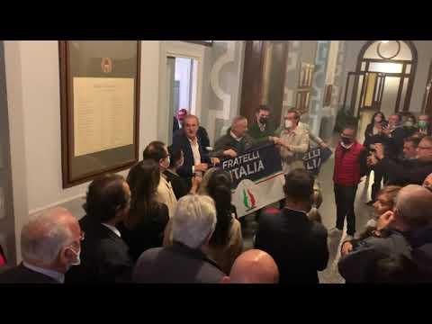 Antonelli rieletto sindaco di Busto Arsizio festeggiato da Fratelli d'Italia
