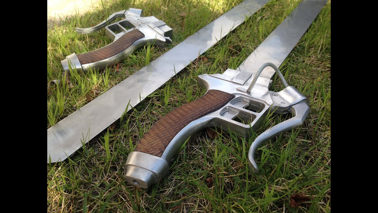 This Replica Attack On Titan Sword Separates Just Like The Real Thing