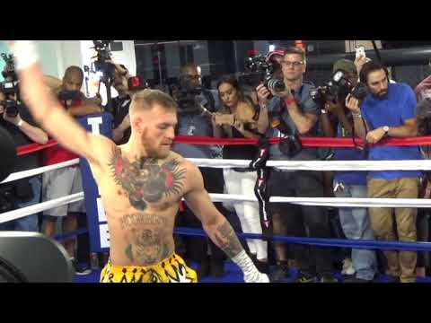 LOL! – CONOR McGREGOR DOES BIZARRE 'RUBBER ARMS' WARM-UP BEFORE WORKOUT / MAYWEATHER v McGREGOR