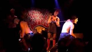Circus mundus absurdus - the chains