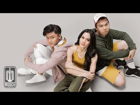 Sheryl Sheinafia & Rizky Febian Feat. Chandra Liow - Sweet Talk (Official Music Video)