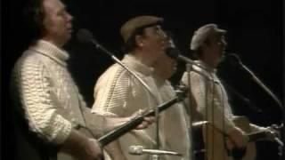 Will Ye Go, Lassie Go ( Wild Mountain Thyme ) The Clancy Bros. w/ Tommy Makem