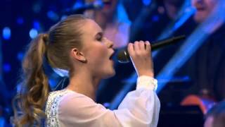 Zara Larsson - Carry You Home (Live @ Nordisk julkonsert)