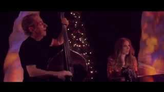 Judith Owen and Harry Shearer - Christmas With The Devil (Official Video)