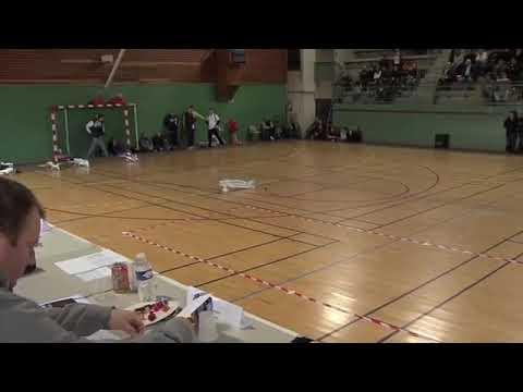 Танцующий самолет