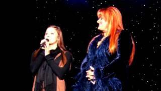 Wynonna & Taylor Santa Rosa Christmas 08 139.avi