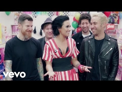 Justin Bieber - Fall Out Boy — Irresistible ft. Demi Lovato