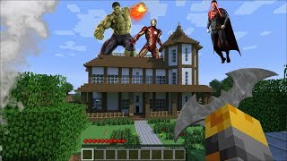 GIANT SUPERHERO APPEARS IN MY HOUSE IN MINECRAFT !! Minecraft Mods