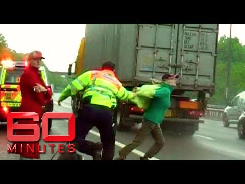 Psychotic identical 'highway' twins run into Britain's busiest motorway | 60 Minutes Australia