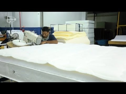 Descubra como é feito um colchão reciclável; veja vídeo