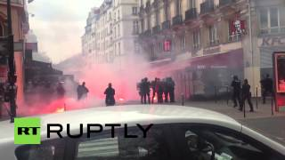 preview picture of video 'France: See police clash with Bastia football supporters in Paris'