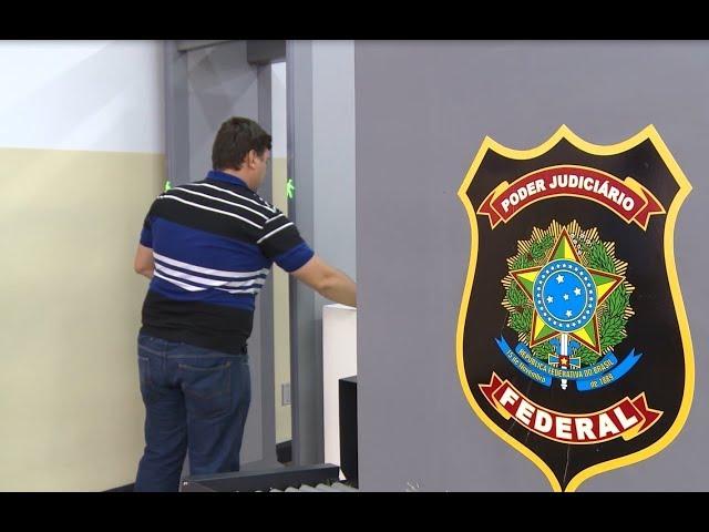 Pronúncia de vídeo de segurança em Portuguesa