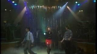 Thalia Ft. Erick Rubin (Timbiriche) - No Se Si Es Amor (Live) Mala Noche No! (High Quality)